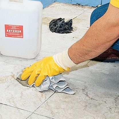 Как правильно чистить напольную плитку после ремонта