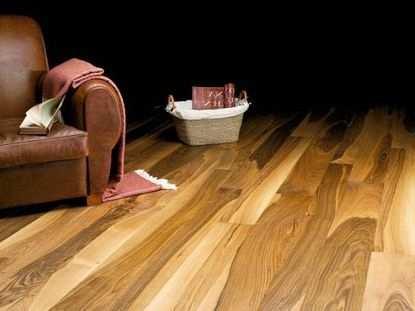 Каким материалом покрыть полы в доме
