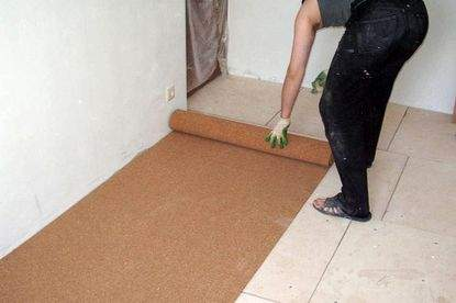 Что используют для подложки под ламинат?